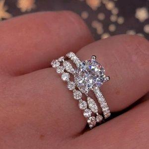 2 piece wedding ring set